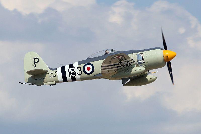 PORTE-AVIONS D'ESCADRE CLASSE ILLUSTRIOUS (NV) (Terminé) Hawker11