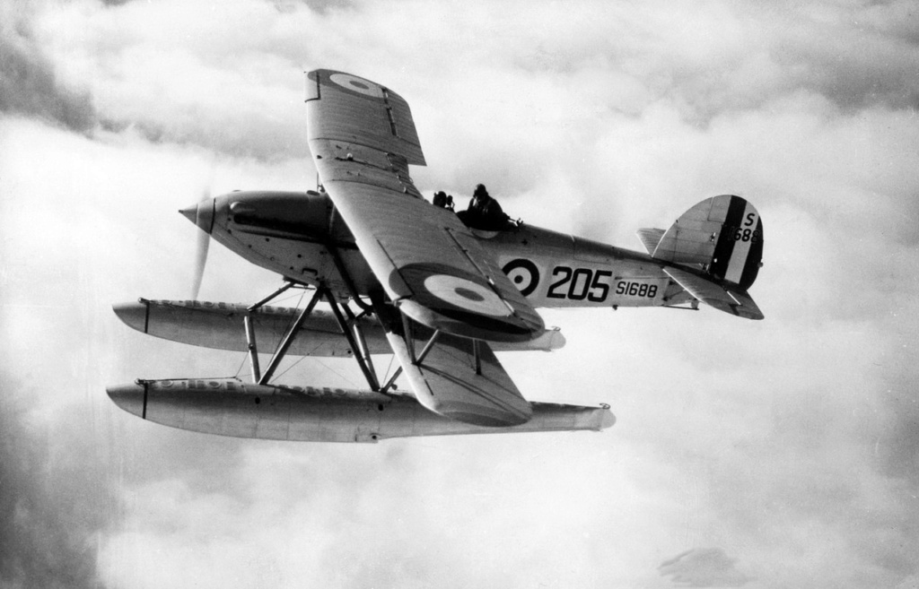 SUPERMARINE WALRUS Hawker13