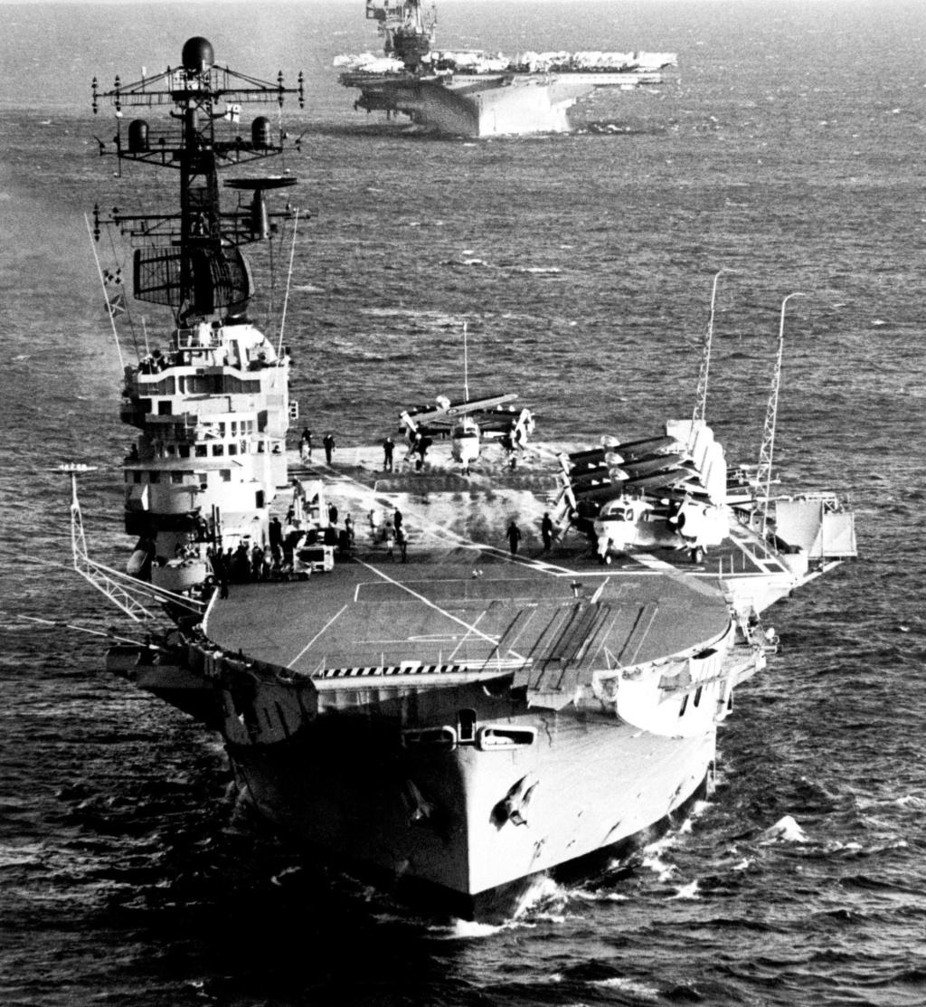 PORTE-HELICOPTERES HMS OCEAN (L-12) Hmas_m10