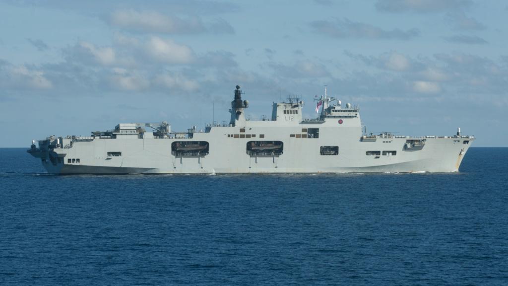 PORTE-HELICOPTERES HMS OCEAN (L-12) Hms_oc12