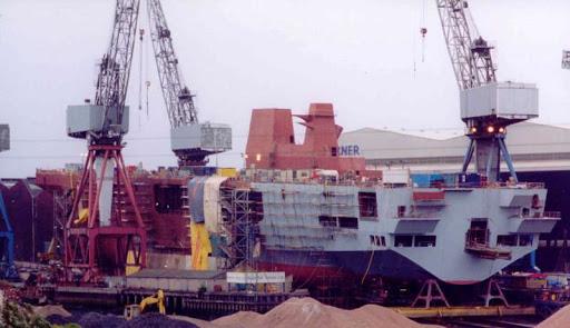 PORTE-HELICOPTERES HMS OCEAN (L-12) Hms_oc17