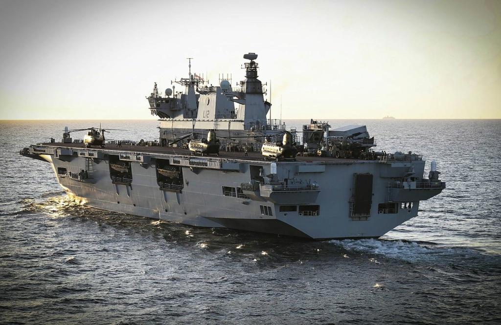 PORTE-HELICOPTERES HMS OCEAN (L-12) Hms_oc21