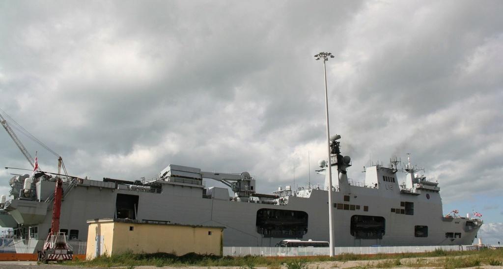 PORTE-HELICOPTERES HMS OCEAN (L-12) Hms_oc22
