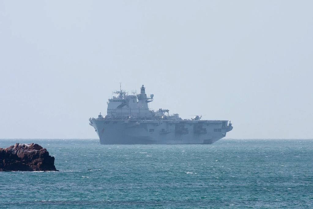 PORTE-HELICOPTERES HMS OCEAN (L-12) Hms_oc25