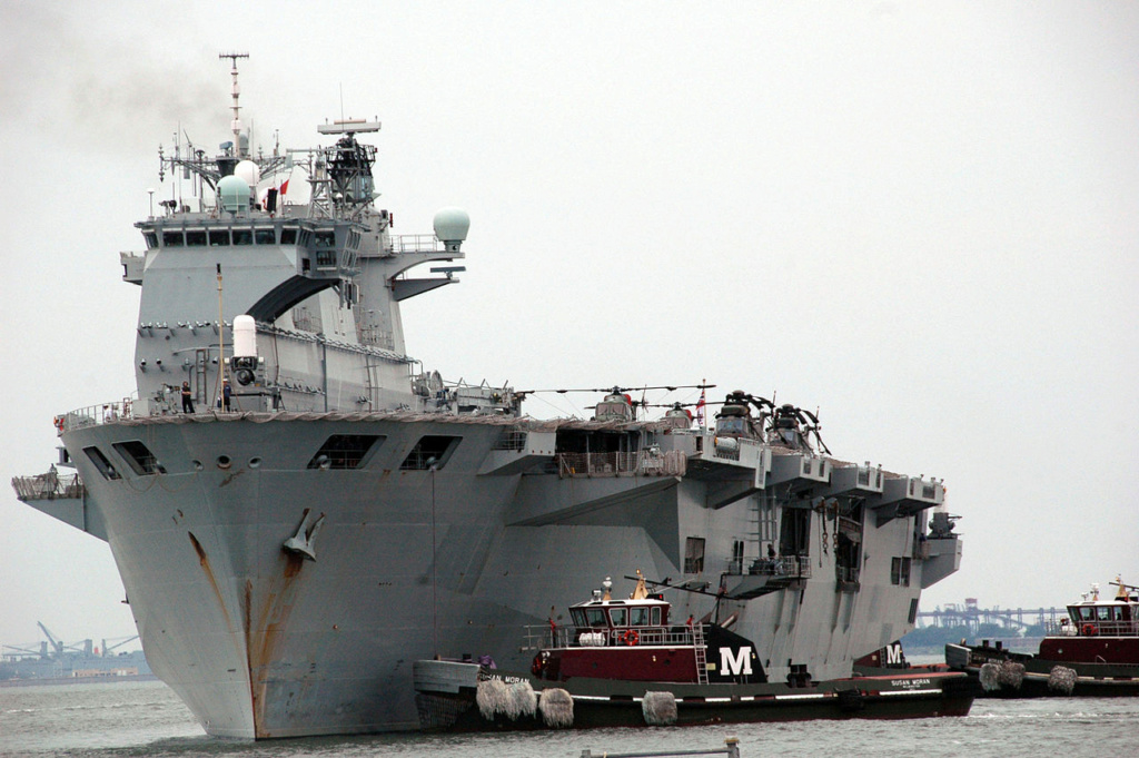 PORTE-HELICOPTERES HMS OCEAN (L-12) Hms_oc28