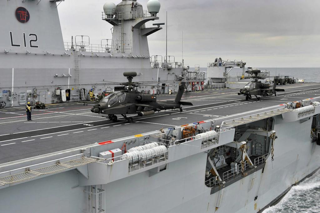 PORTE-HELICOPTERES HMS OCEAN (L-12) Hms_oc34