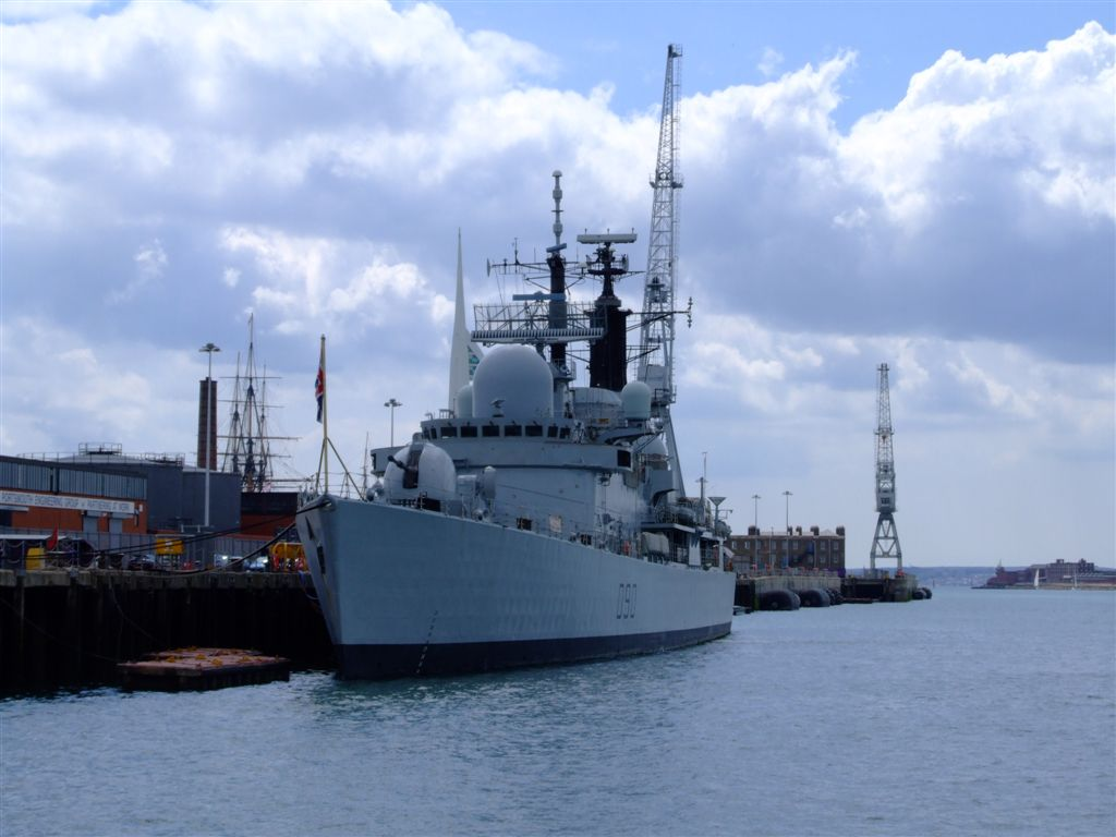 DESTROYERS LANCE-MISSILES CLASSE SHEFFIELD (TYPE 42) (NV) Hms_so15