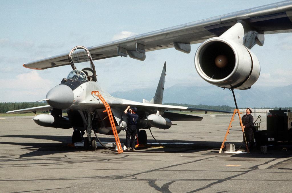 "MIKOYAN GOUREVITCH (MIG) MiG-29 ""FULCRUM""  Mig-2935"