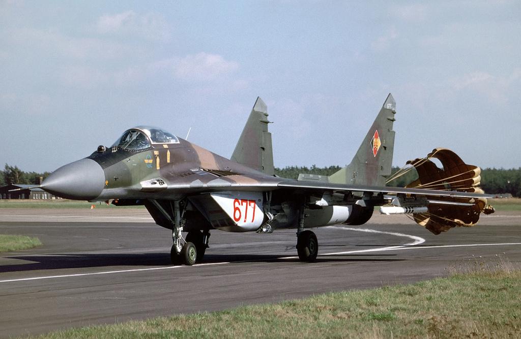 "MIKOYAN GOUREVITCH (MIG) MiG-29 ""FULCRUM""  Mig-2982"