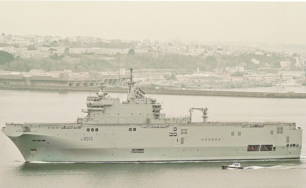 AMPHIBIOUS FORCE COMMAND SHIP (LCC) CLASSE BLUE RIDGE (Fini) Mistra10