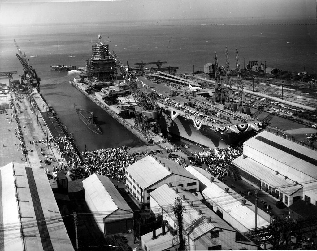 PORTE-AVIONS USS ENTERPRISE (CVN-65) Newpor19