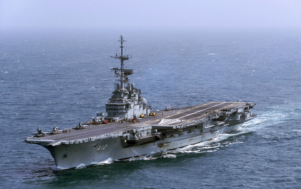 PORTE-HELICOPTERES HMS OCEAN (L-12) Sao_pa10
