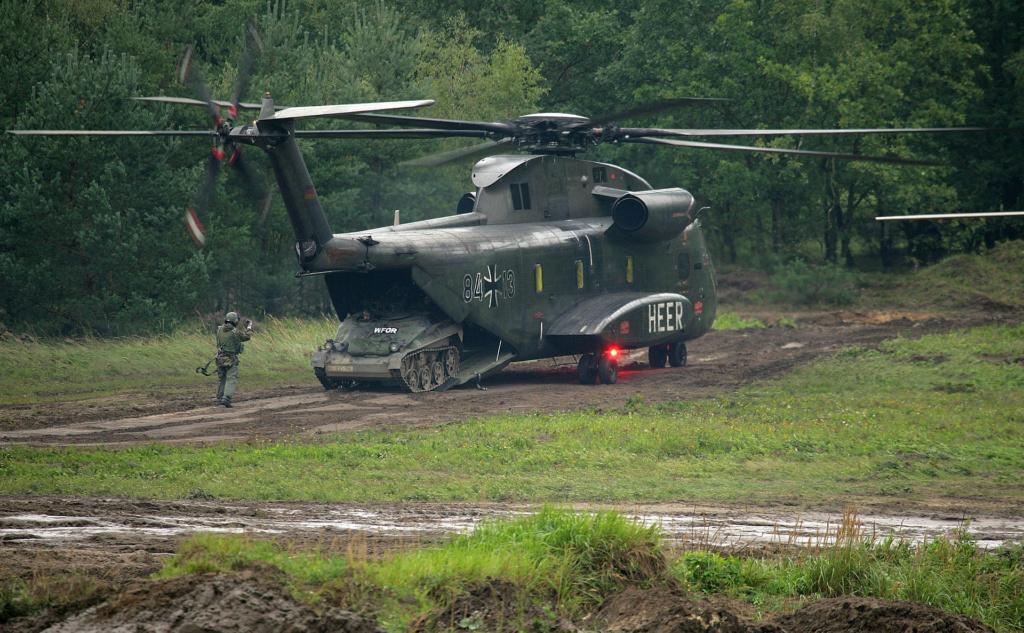 SIKORSKY S-65 SEA STALLION / S-80 SUPER STALLION (FIN) Sikor130