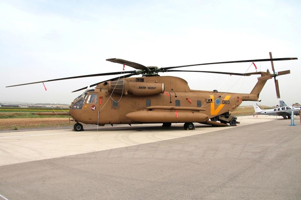 SIKORSKY S-65 SEA STALLION / S-80 SUPER STALLION (FIN) Sikor136