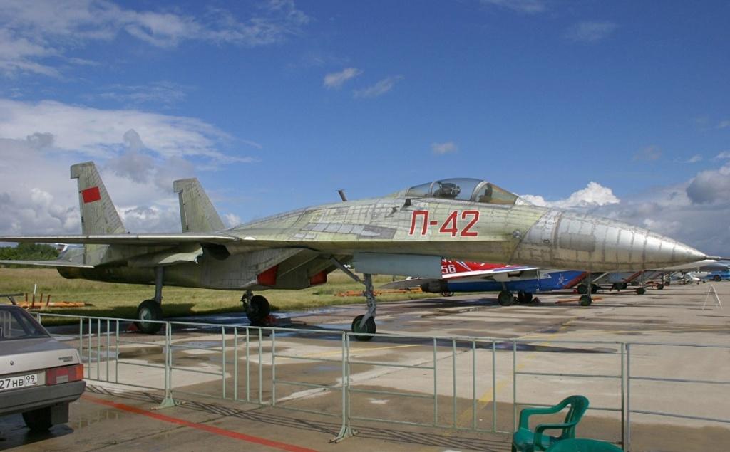 SUKHOÏ SU-27 FLANKER Sukhoi28