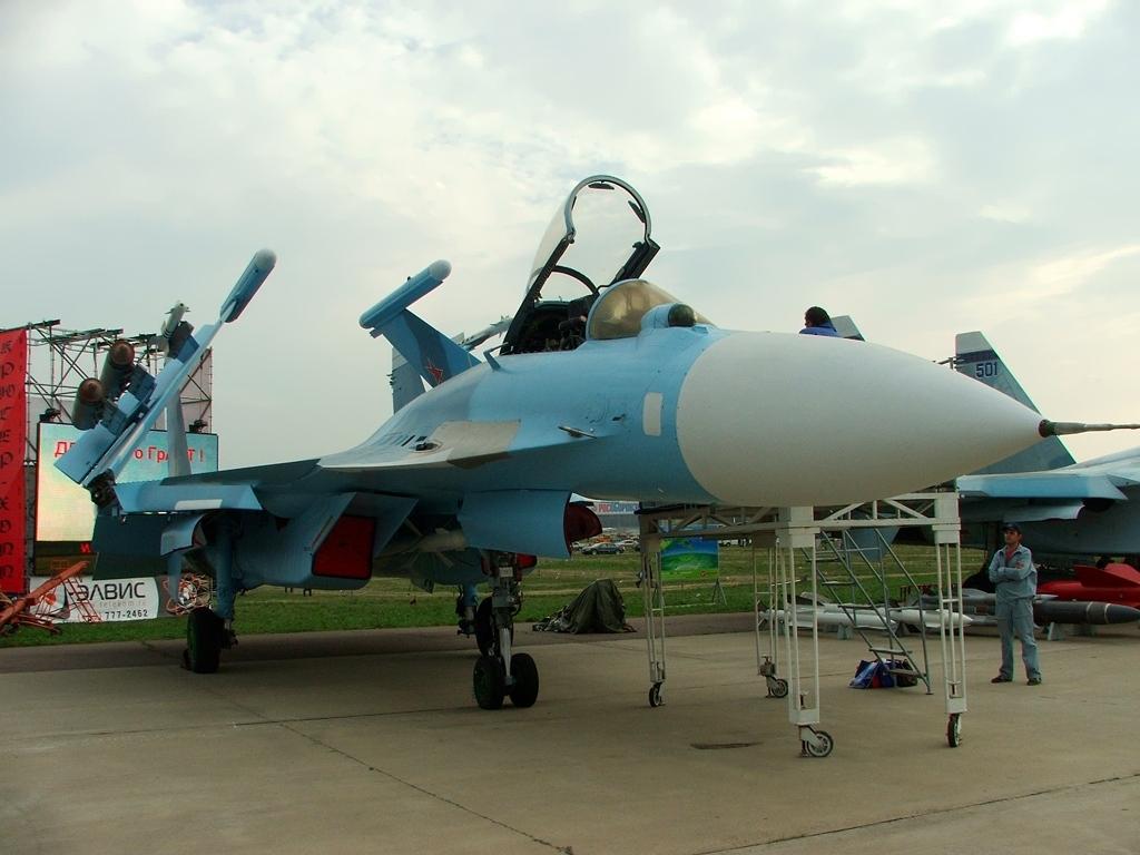 SUKHOÏ SU-27 FLANKER Sukhoi32