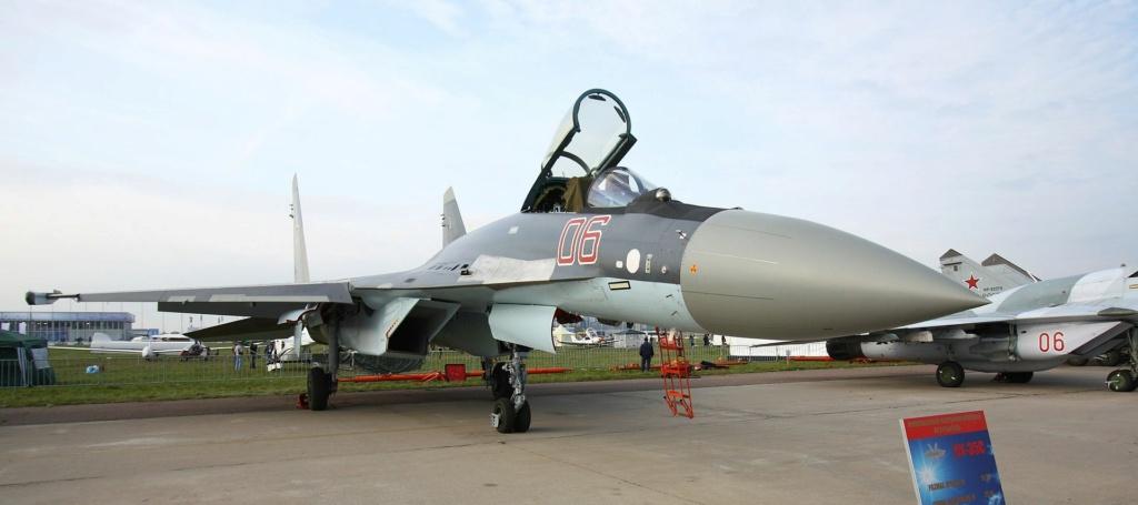 SUKHOÏ SU-27 FLANKER Sukhoi53