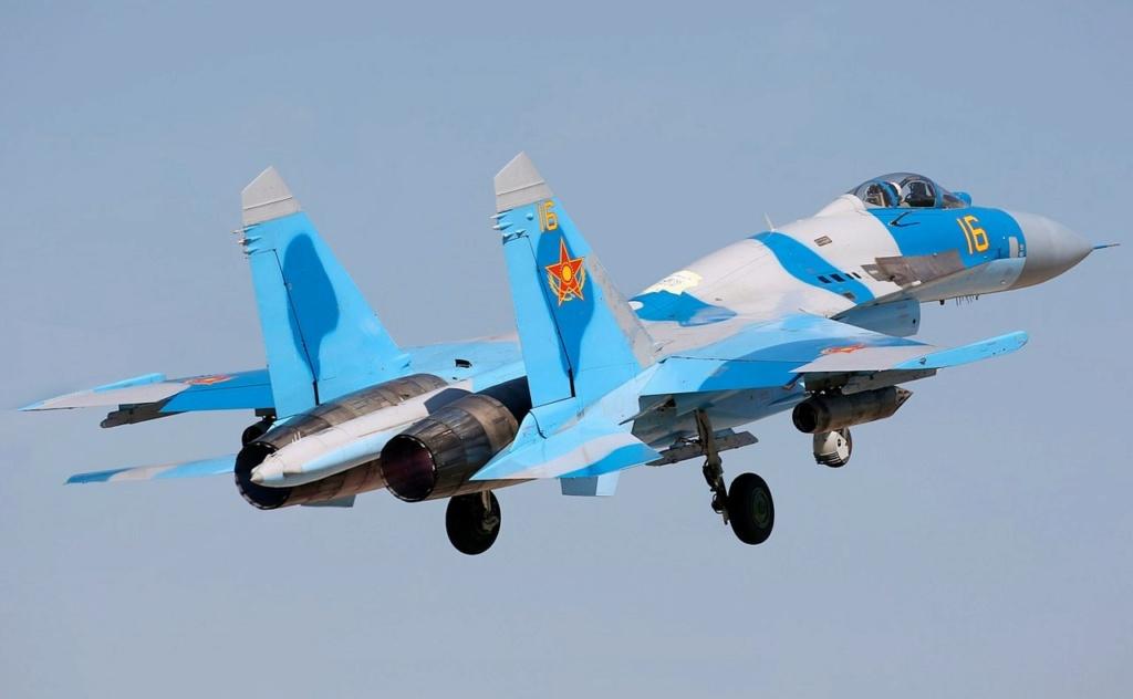 SUKHOÏ SU-27 FLANKER Sukhoi61