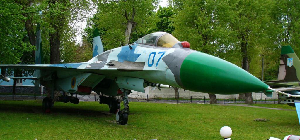 SUKHOÏ SU-27 FLANKER Sukhoi63