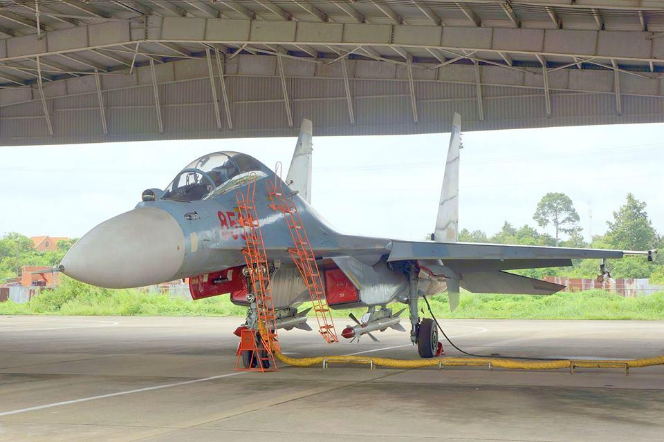 SUKHOÏ SU-27 FLANKER Sukhoi82