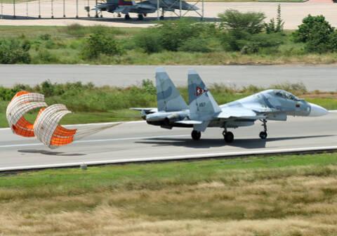 SUKHOÏ SU-27 FLANKER Sukhoi44