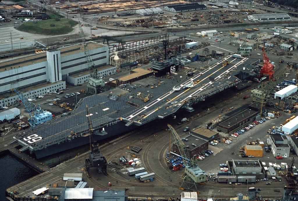 PORTE-AVIONS USS ENTERPRISE (CVN-65) Uss_am65