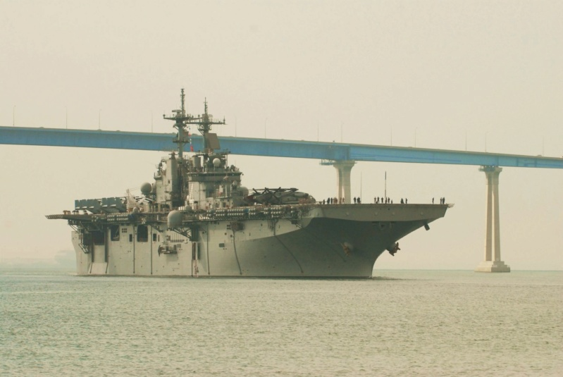 LANDING HELICOPTER DOCK (LHD) CLASSE WASP (TERMINE) Uss_bo22