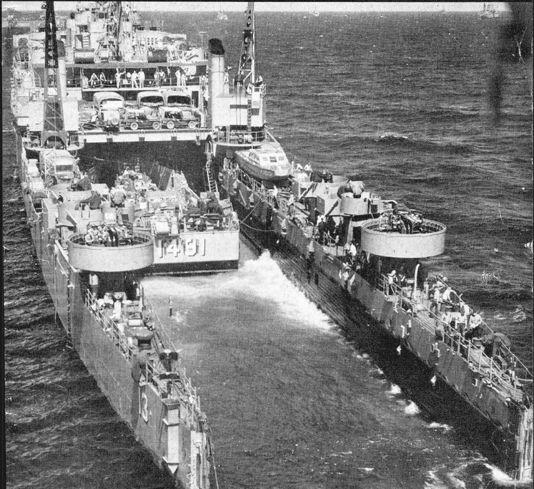 LANDING HELICOPTER ASSAULT CLASSE (LHA) TARAWA (TERMINE) Uss_ca10
