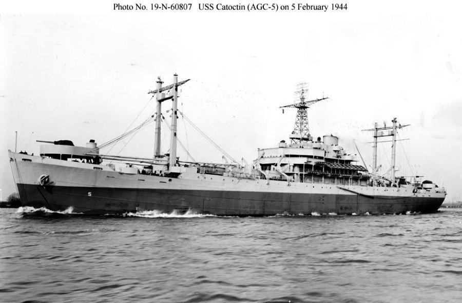 AMPHIBIOUS FORCE COMMAND SHIP (LCC) CLASSE BLUE RIDGE (Fini) Uss_ca15