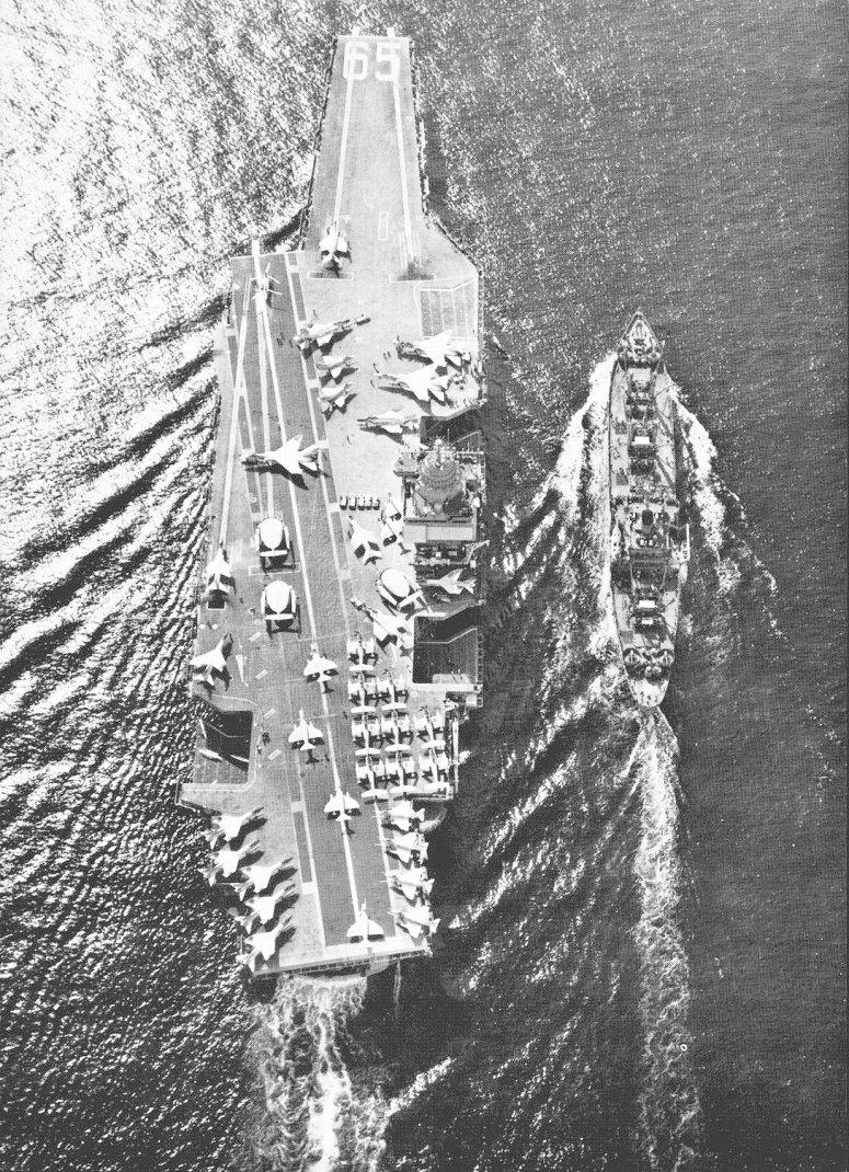 PORTE-AVIONS USS ENTERPRISE (CVN-65) Uss_en23