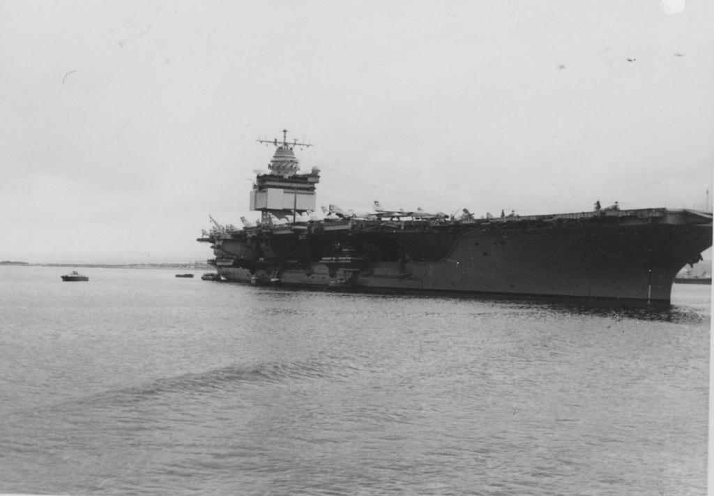 PORTE-AVIONS USS ENTERPRISE (CVN-65) Uss_en26