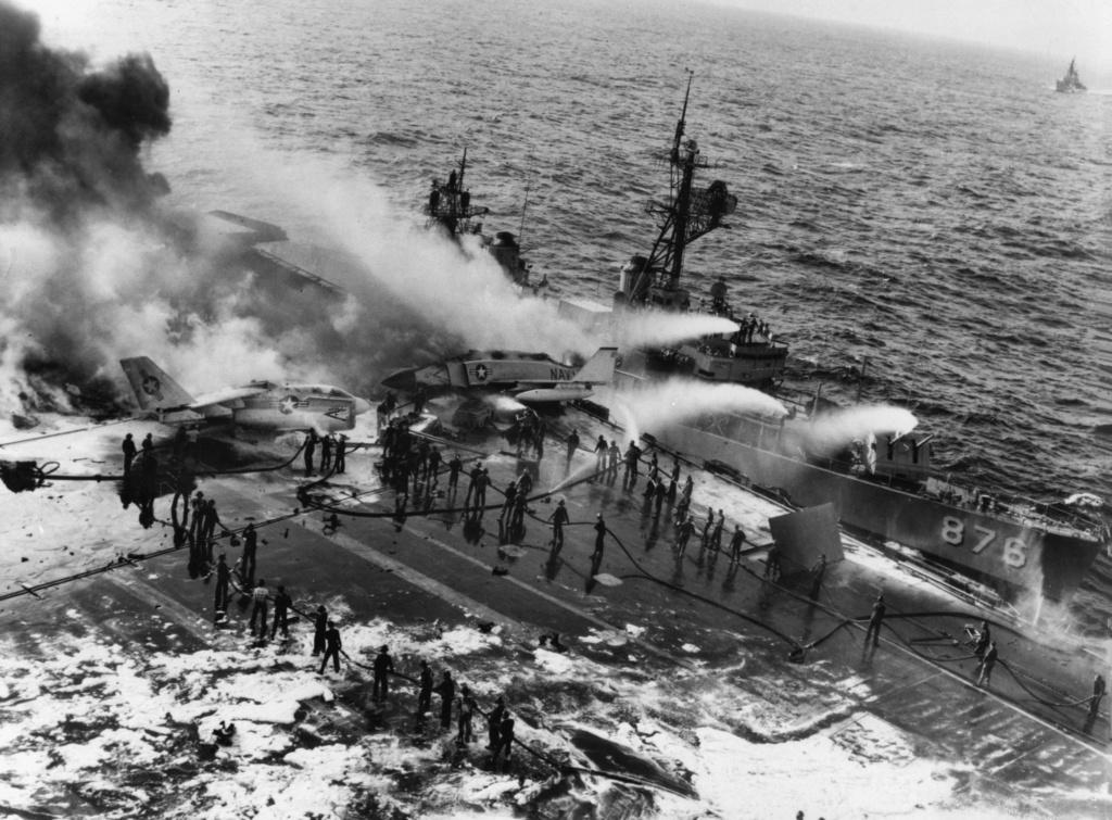 PORTE-AVIONS USS ENTERPRISE (CVN-65) Uss_en32