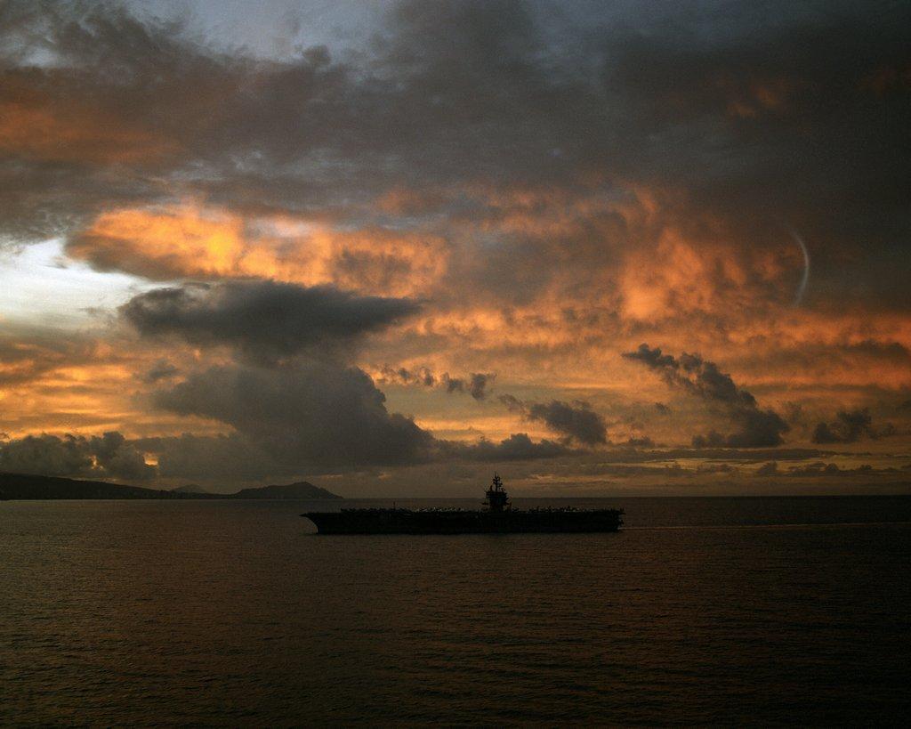 PORTE-AVIONS USS ENTERPRISE (CVN-65) Uss_en40
