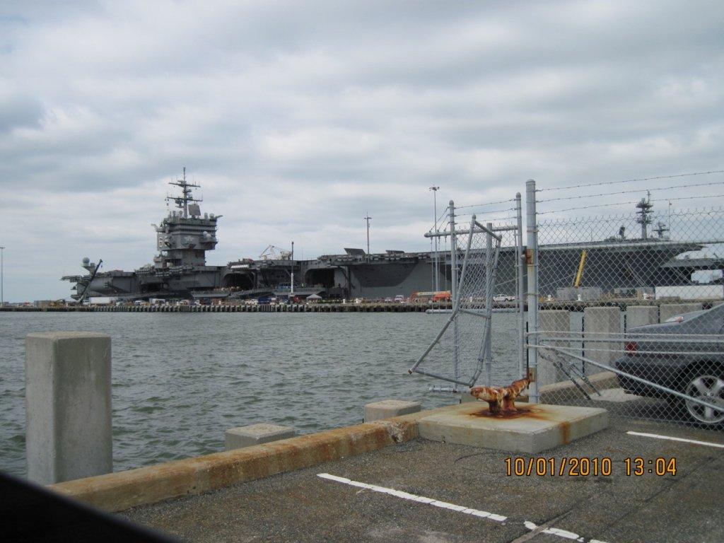 PORTE-AVIONS USS ENTERPRISE (CVN-65) Uss_en48