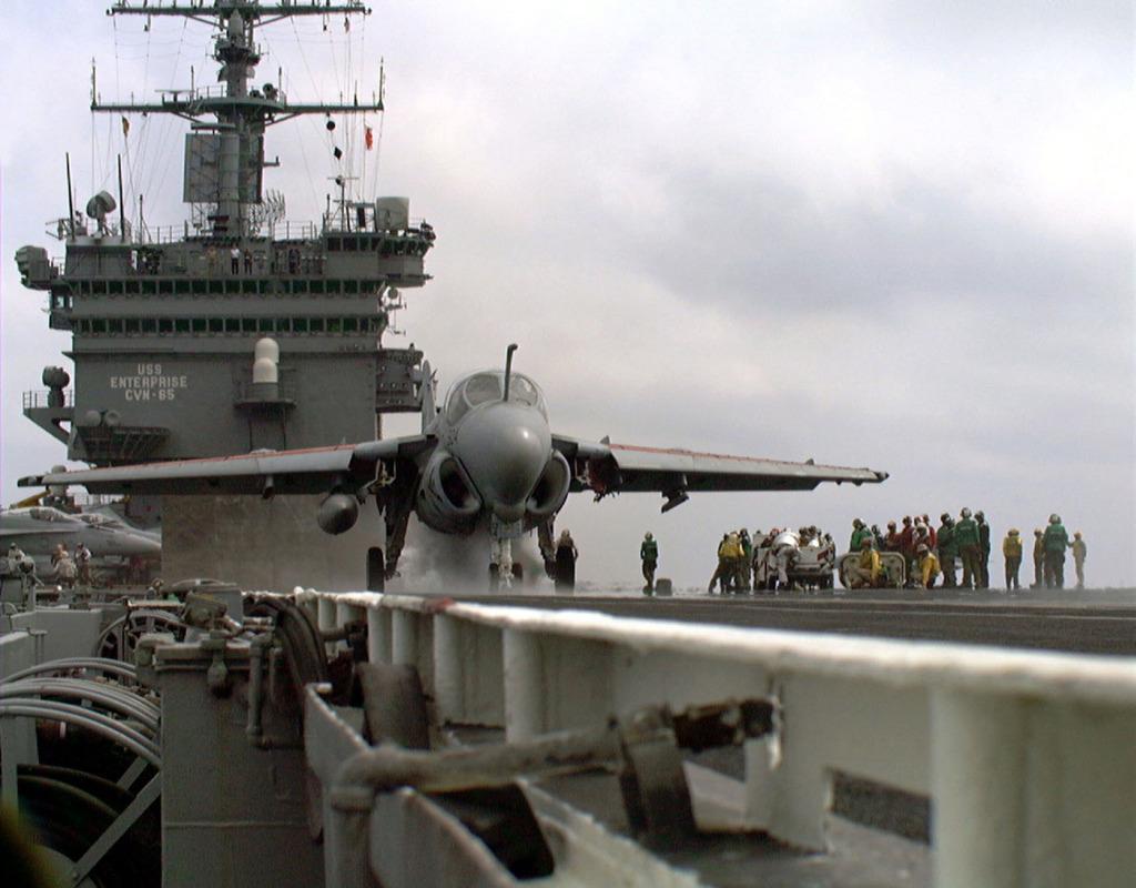 PORTE-AVIONS USS ENTERPRISE (CVN-65) Uss_en62