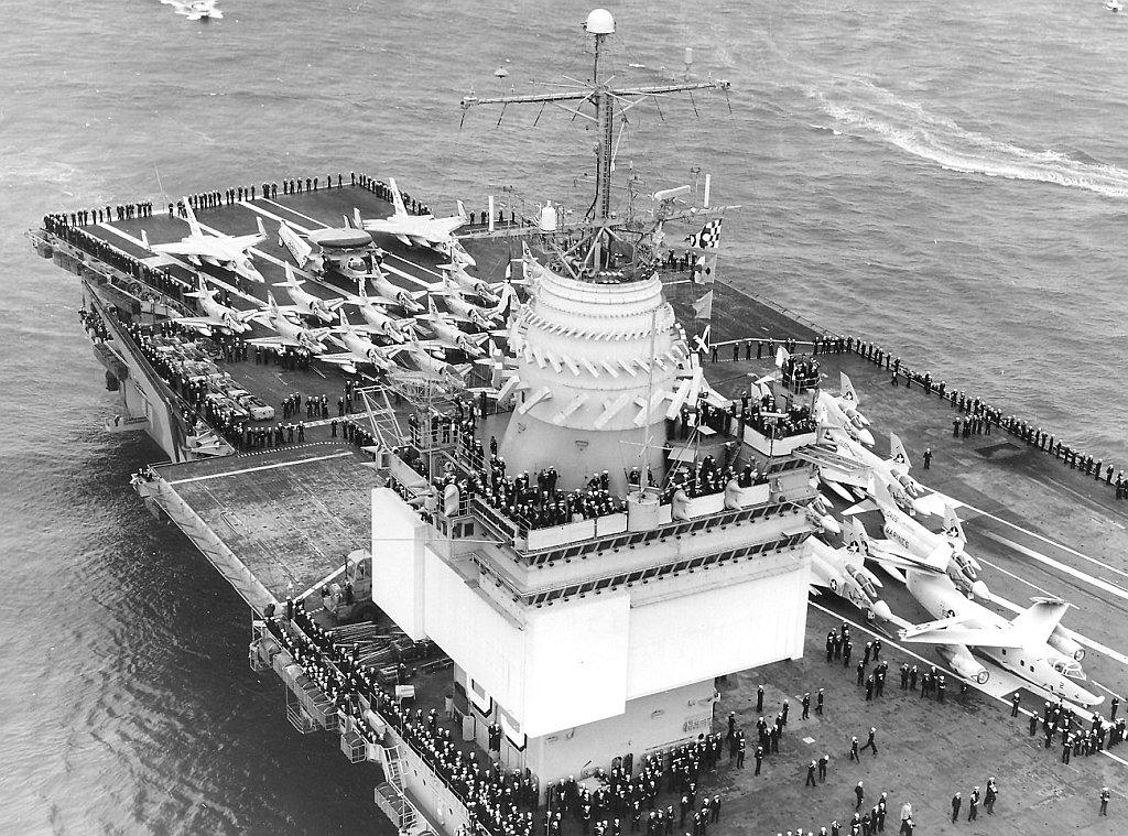 PORTE-AVIONS USS ENTERPRISE (CVN-65) Uss_en63