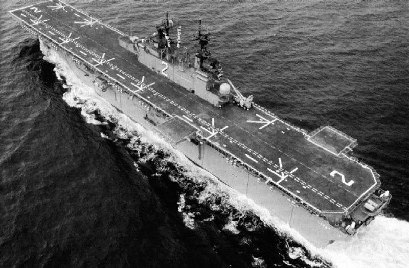 LANDING HELICOPTER DOCK (LHD) CLASSE WASP (TERMINE) Uss_es14