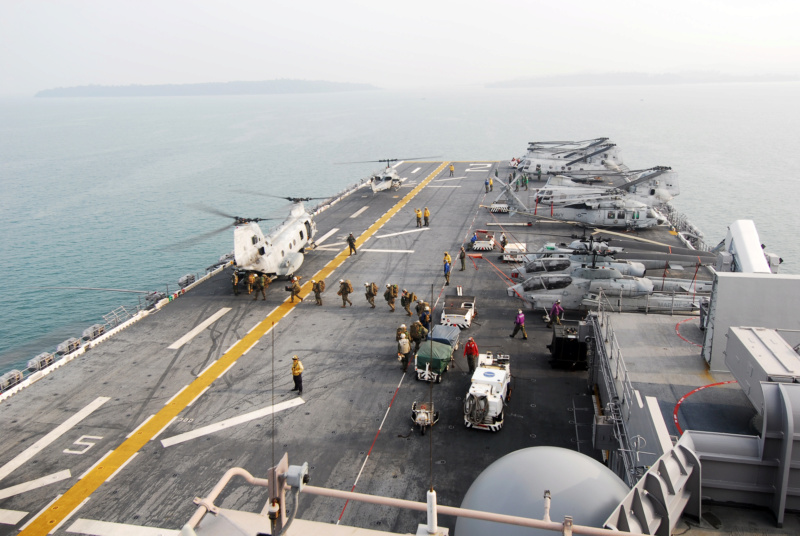LANDING HELICOPTER DOCK (LHD) CLASSE WASP (TERMINE) Uss_es20