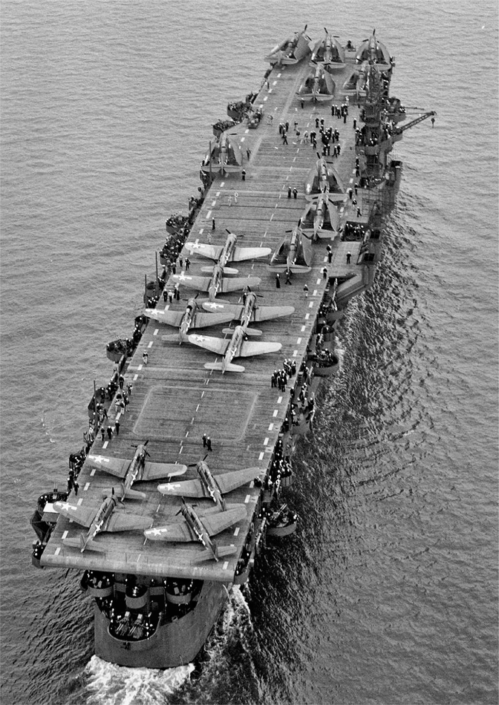PORTE-AVIONS USS ENTERPRISE (CVN-65) Uss_in30