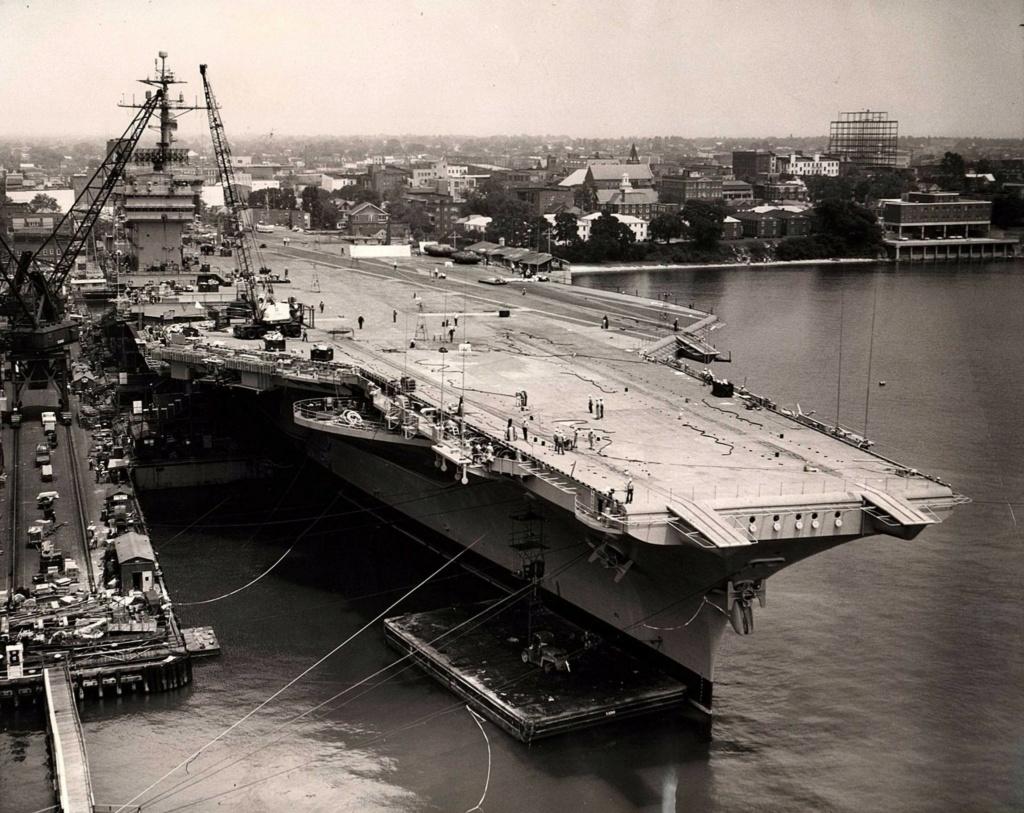 PORTE-AVIONS USS ENTERPRISE (CVN-65) Uss_jo92