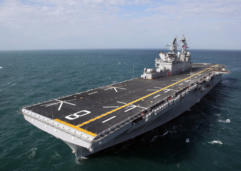 LANDING HELICOPTER DOCK (LHD) CLASSE WASP (TERMINE) Uss_ma12