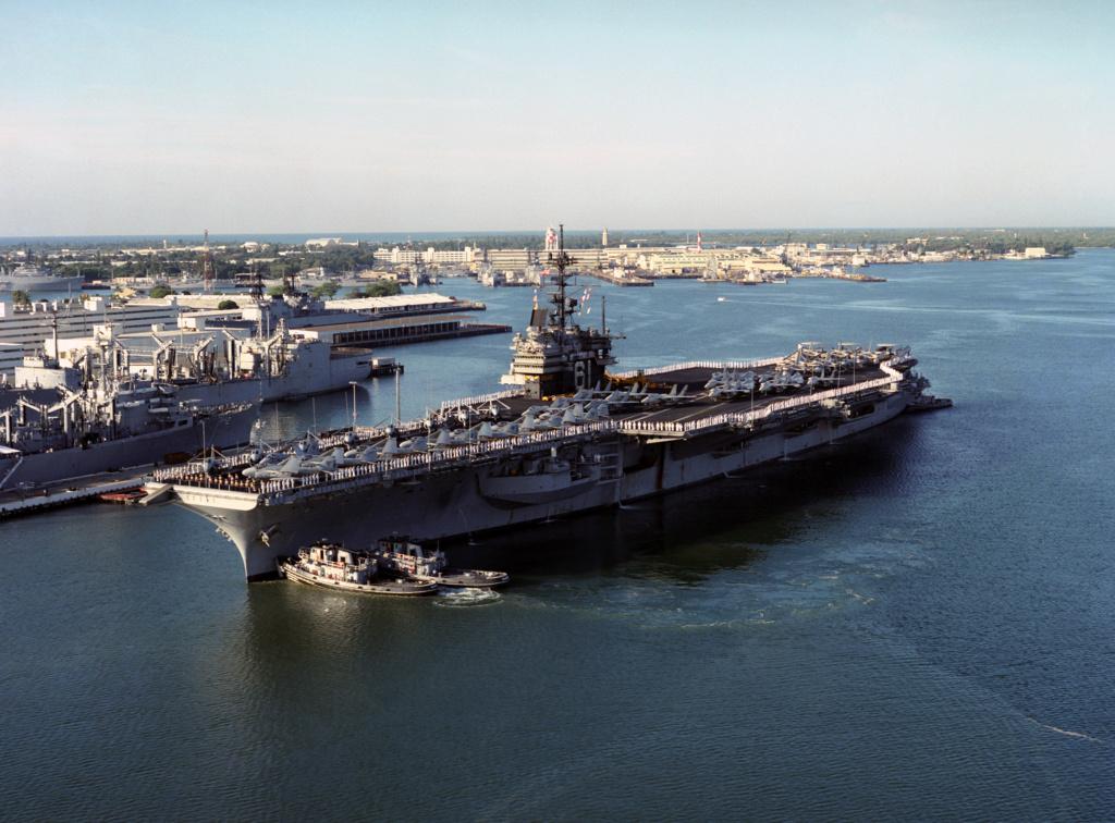 PORTE-AVIONS USS ENTERPRISE (CVN-65) Uss_ra56