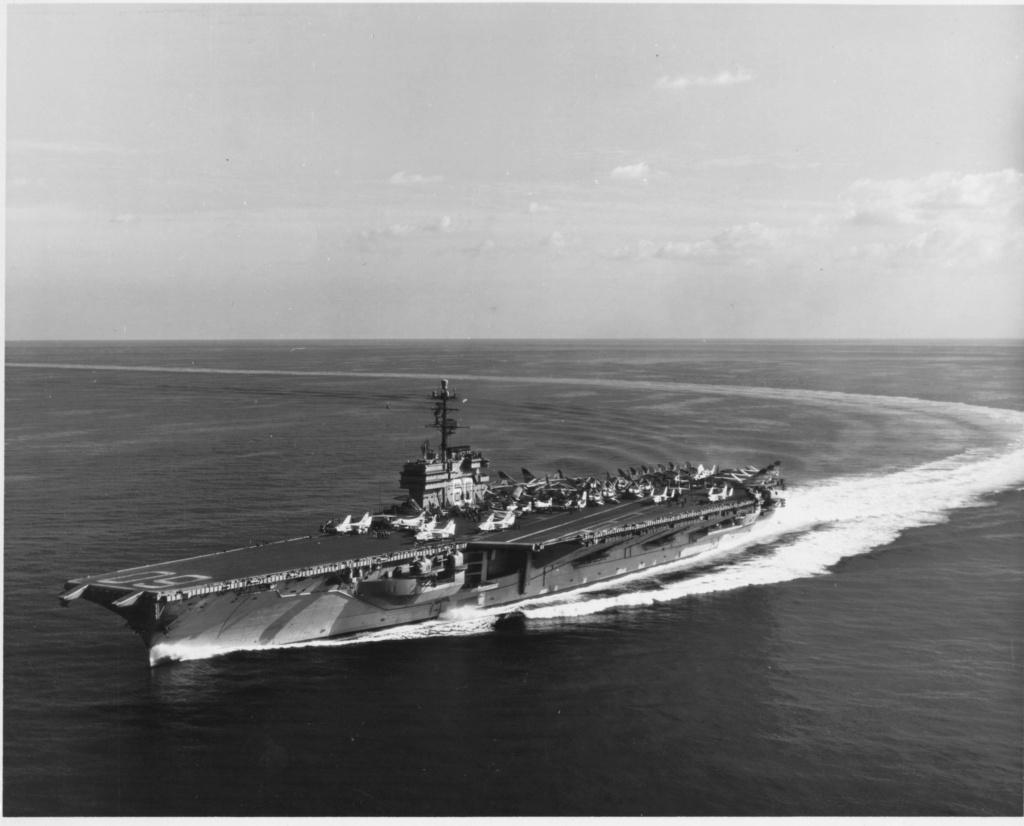 PORTE-AVIONS USS ENTERPRISE (CVN-65) Uss_s144