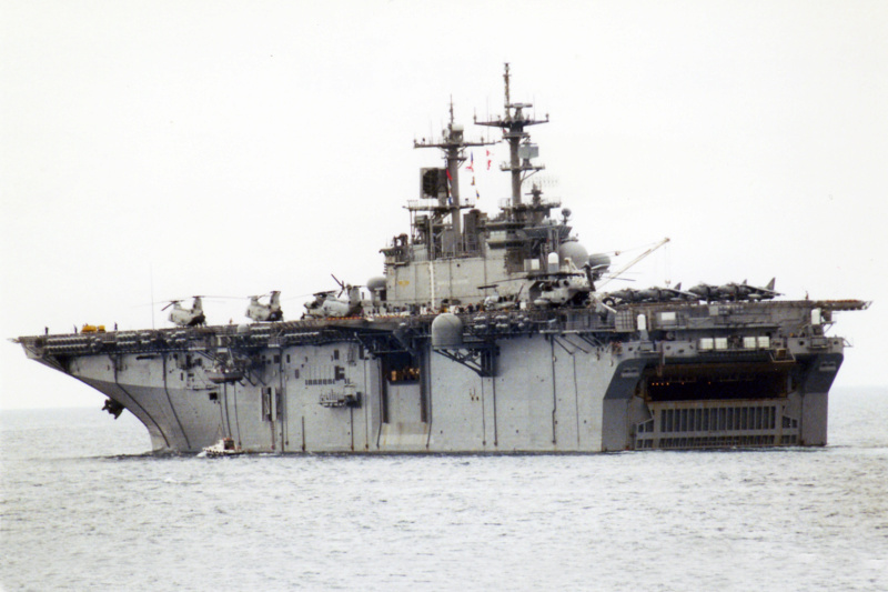 LANDING HELICOPTER DOCK (LHD) CLASSE WASP (TERMINE) Uss_wa10