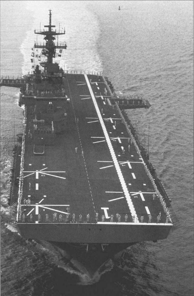 LANDING HELICOPTER DOCK (LHD) CLASSE WASP (TERMINE) Uss_wa16
