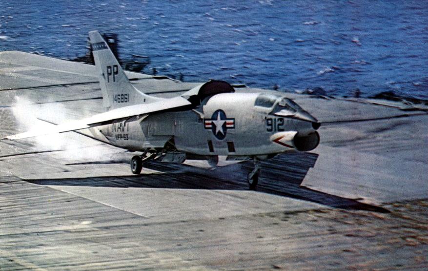 PORTE-AVIONS USS ENTERPRISE (CVN-65) Vought21