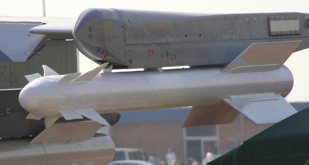 SUKHOÏ SU-27 FLANKER Vympel13