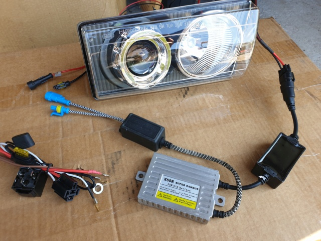 Démontage phares et montage d'un nouveau combiné xénon/LED 20190411
