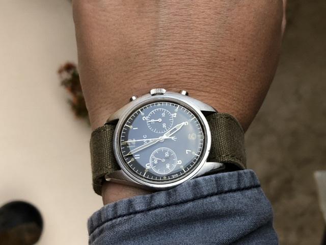 Votre montre du jour - Page 10 D93fe010