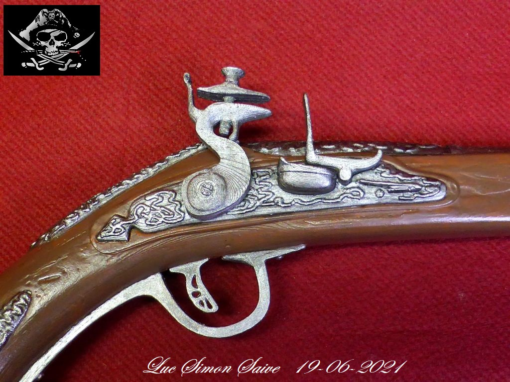 Impression 3D FDM: le pistolet pirate - Page 2 Pistol25